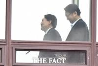 [TF포토] 구내식당 향하는 윤석열 총장