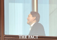[TF포토] 윤석열, '굳게 다문 입'