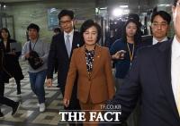 [TF주간政談] '윤석열 사단' 날린 추미애, 국회 취재진 질의엔 '침묵'