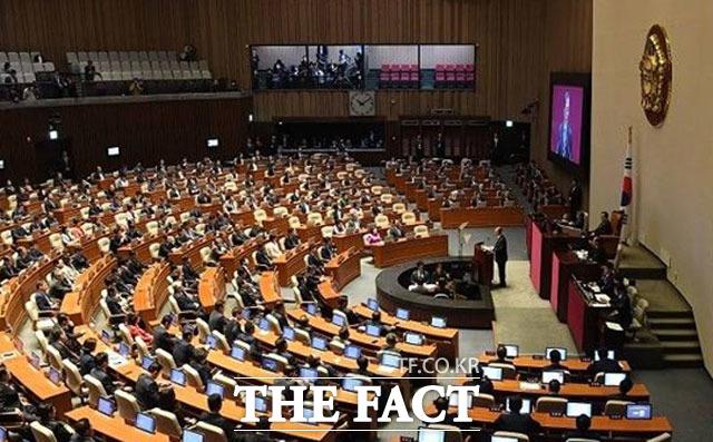 데이터 3법이 9일 국회 본회의를 통과한 것과 관련해 금융권이 환영의 뜻을 표했다. /더팩트 DB