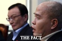 [TF포토] 민주당 입곱 번째 영입 인사 이용우 대표