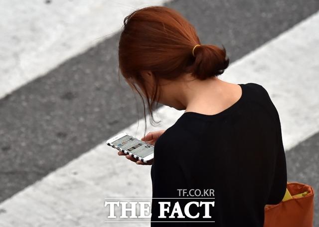 금융감독원이 금융회사 사칭 대출사기, 불법대출광고 스팸문자를 막기 위한 대출사기 문자 방지 시스템을 오늘(15일)부터 가동한다. /더팩트DB