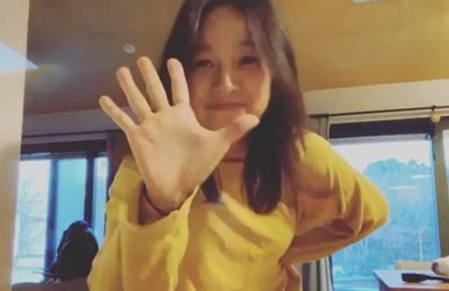 가수 이효리가 지코의 노래 아무노래에 맞춰 춤을 추는 댄스 챌린지에 도전했다. /이효리 인스타그램 캡처