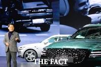 [TF포토] 제네시스 첫 SUV 'GV80' 소개하는 이용우 부사장