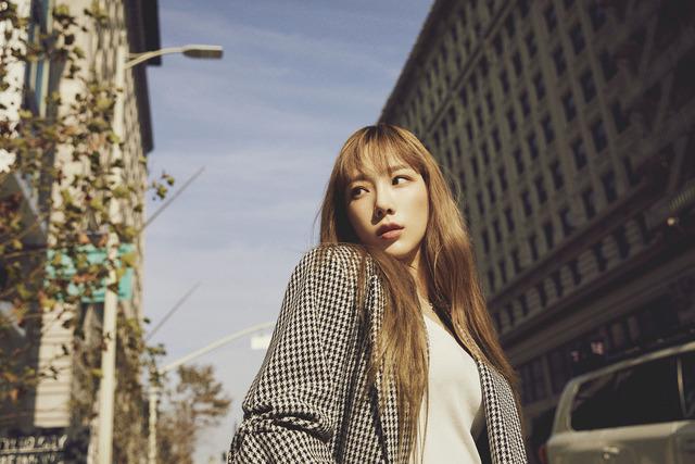 태연은 지난해 3월 싱글 사계를 시작으로 정규 2집과 리패키지앨범을 통해 만능 보컬리스트로서의 면모를 보여주고 있다. /SM엔터 제공