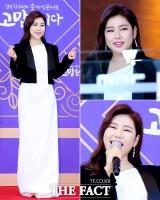 [TF사진관] '다각도 하트발사!'…송가인, '미모만큼 빛나는 팬 사랑'