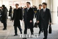 [TF포토] 공판 출석하는 이재용 부회장