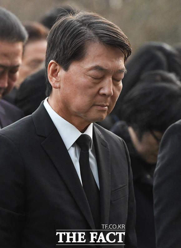 안철수 전 국민의당 대표의 호남 행보에 박지원 대안신당 의원은 비판의 일격을 가하기도 했다. /임세준 기자