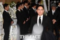 [TF포토] 신격호 회장 조문 마친 이재용 부회장