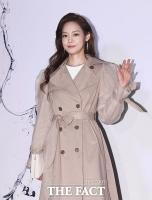 [TF포토] 안현모, '우아한 손인사'