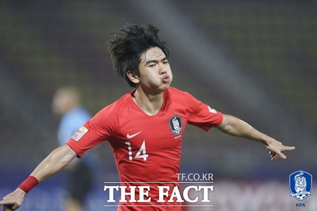 한국의 윙포워드 김대원이 22일 오후 태국에서 벌어진 호주와 AFC U-23챔피언십 겸 2020도쿄올림픽 아시아 최종예선 준결승전 후반 11분 선제골을 터뜨린 뒤 감격의 골세리머니를 펼치고 있다. /대한축구협회 제공