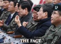 [TF포토] 25사단 신교대 방문한 유승민 새로운보수당 의원