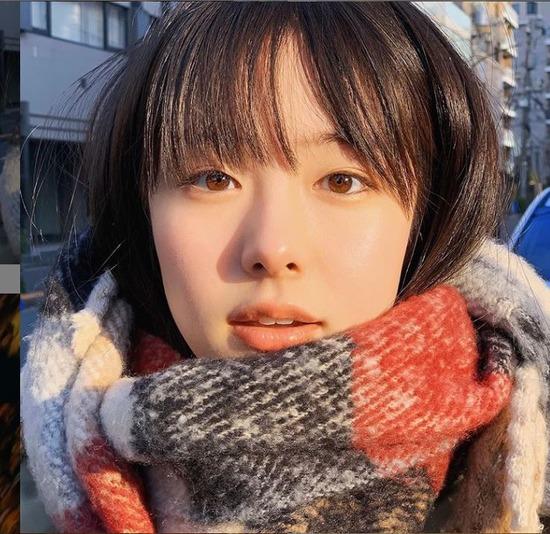 일본 배우 카라타 에리카가 일본 내의 유명 배우 히가시데 마사히로와 불륜을 인정하고 사과했다. /카라타 에리카 SNS 캡처