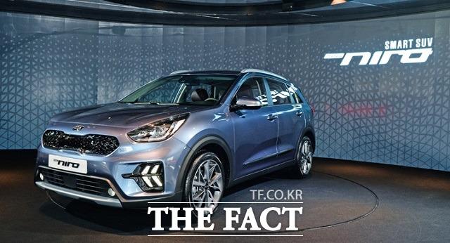 기아차를 넘어 국내 1세대 하이브리드 SUV인 니로의 경우 지난해 국내 시장에서 모두 2만247대가 판매되며 친환경 SUV 모델 가운데 판매량 1위에 올랐다. /기아차 제공