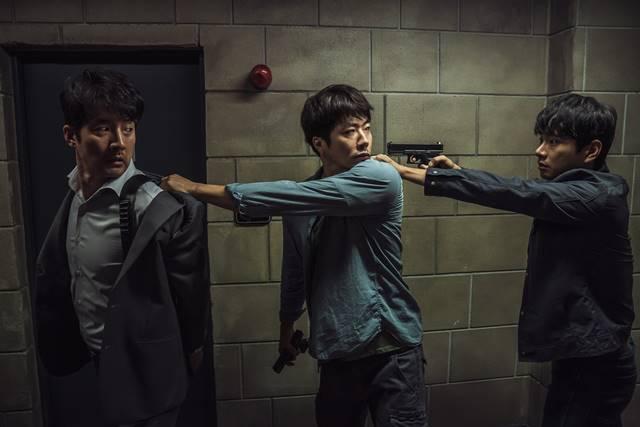 히트맨에는 배우 정준호, 권상우, 이이경(왼쪽부터) 등이 출연한다. /롯데엔터테인먼트 제공