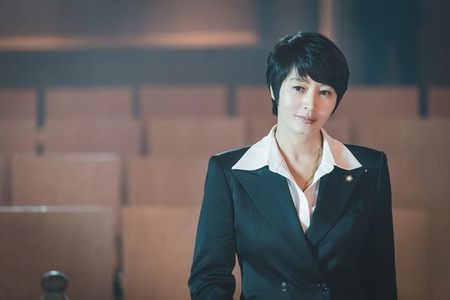 김혜수는 SBS 하이에나에서 변호사 역을 맡아 주지훈과 호흡을 맞춘다. /SBS 제공