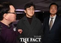 [TF포토] 국회 떠나는 원종건