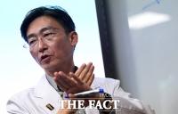 [TF포토] 아주대 병원과 갈등 관련 설명하는 이국종 교수
