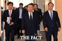 [TF사진관] '신종 코로나 대응'…한자리 모여 머리 맞댄 정부와 재계