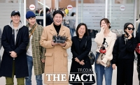 [TF포토] 영화 '기생충' 배우진들, '행복한 귀국'