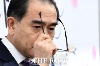 [TF초점] '엘리트' 탈북민 태영호 '지역의 일꾼' 가능할까?