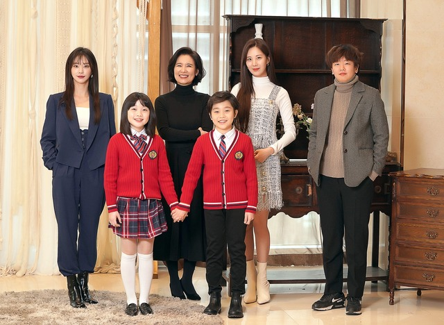 JTBC 드라마 페스타 안녕 드라큘라는 다양한 사람들의 고민과 성장을 담은 드라마다 /드라마하우스 제공