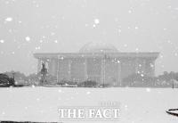 [TF포토] 하얀 눈 쌓인 국회의사당