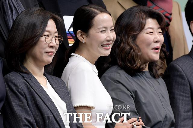곽신애 바른손이앤에이 대표(왼쪽)