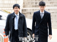 [TF포토] 이재웅-박재욱, 선고 공판 출석하는 '쏘카'와 '타다' 대표