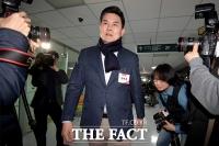 [TF포토] 후보자 면접 참석한 김태호 전 경남도지사