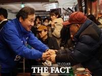 [TF확대경] '휴~'부담 덜어낸 이낙연…코로나 '음성' 판정