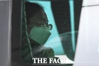 [TF포토] '버스 탑승해 학교 향하는 중국인 유학생'