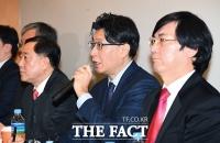 [TF포토] 취재진 질문에 답하는 전문가들