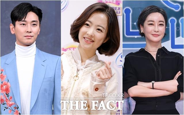 배우 주지훈, 박보영, 김혜은(왼쪽부터)은 코로나19 취약 계층을 위해 기부금을 전달했다. /더팩트DB