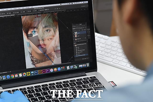 김 작가는 작업할 인형의 얼굴을 그리기에 앞서 그 인물의 여러 사진을 합쳐 가장 대중적인 이미지를 찾아낸다.