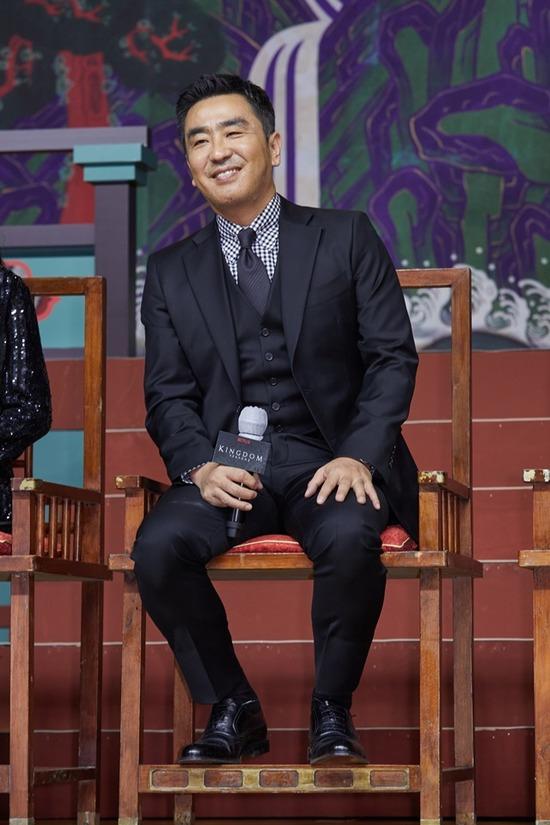 류승룡은 시즌2에서는 더 놀라운 떡밥이 나온다며 기대감을 높였다. /넷플릭스 제공