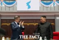 [TF초점] 北 김정은·여정 남매, 하루 차 '냉탕과 온탕' 의도가 뭐야?