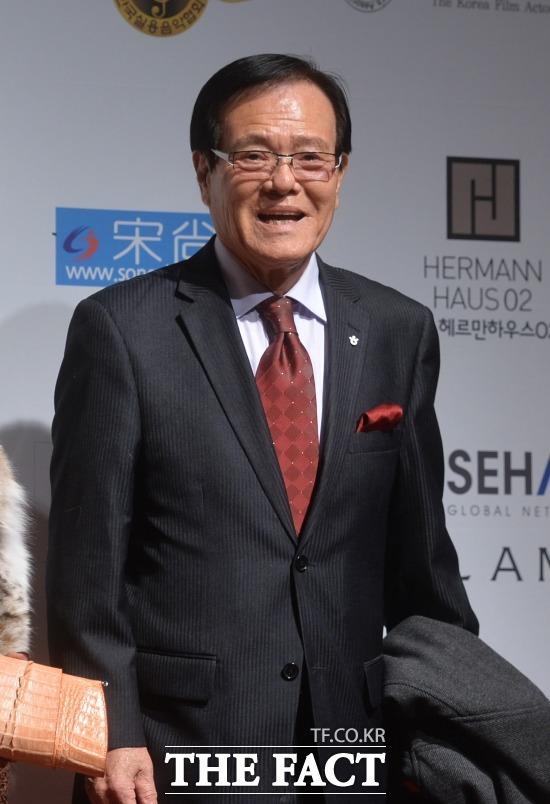 코미디언 자니윤이 미국 LA 근교에서 84세로 세상을 떠났다. /더팩트DB