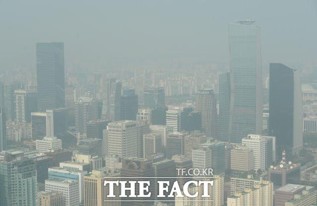 [서재근의 Biz이코노미] '마스크'에 가려진 '경제 리스크'…대기업도 '불안'