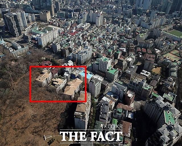 서울 서초동의 고가 연립주택 트라움하우스 5차가 2020년 공시가격 69억9200만원으로 평가되면서 2006년 이후 전국에서 가장 비싼 아파트 자리를 15년째 차지했다. /이효균 기자