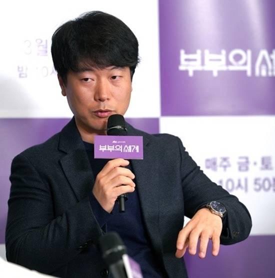 모완일 PD는 19금 편성 이유를 묻는 말에 노출, 폭력성 때문이 아니라 설정 자체가 가볍지 않다고 설명했다. /JTBC 제공