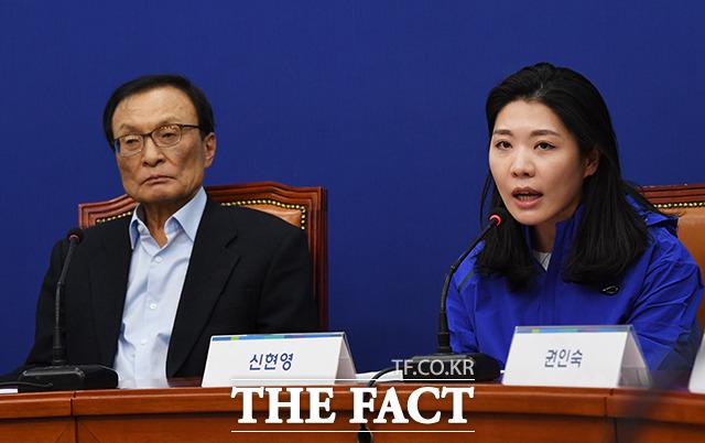 발언하는 비례대표 후보 1번 신현영 명지병원 가정의학과 교수(오른쪽)