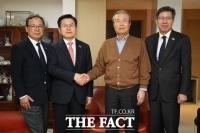 김종인, '통합당 총괄선대위원장직' 수락…