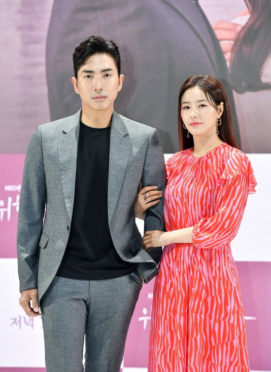 배우 고세원(왼쪽)과 박하나는 7년 전 사건으로 인해 관계가 얽히게 되는 강태인과 차은동을 연기한다. /KBS 제공