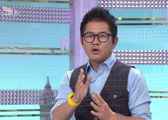 나경훈은 현재 KBS2 생방송 아침이 좋다(강승화 이승현 진행)에서 나경훈의 현장포착 코너를 11년째 이끌고 있다. /아침이 좋다 방송 캡쳐