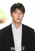최종훈, 불법 촬영·뇌물공여 집유 2년…