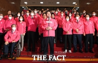 [TF포토] 발언하는 원유철 미래한국당 대표