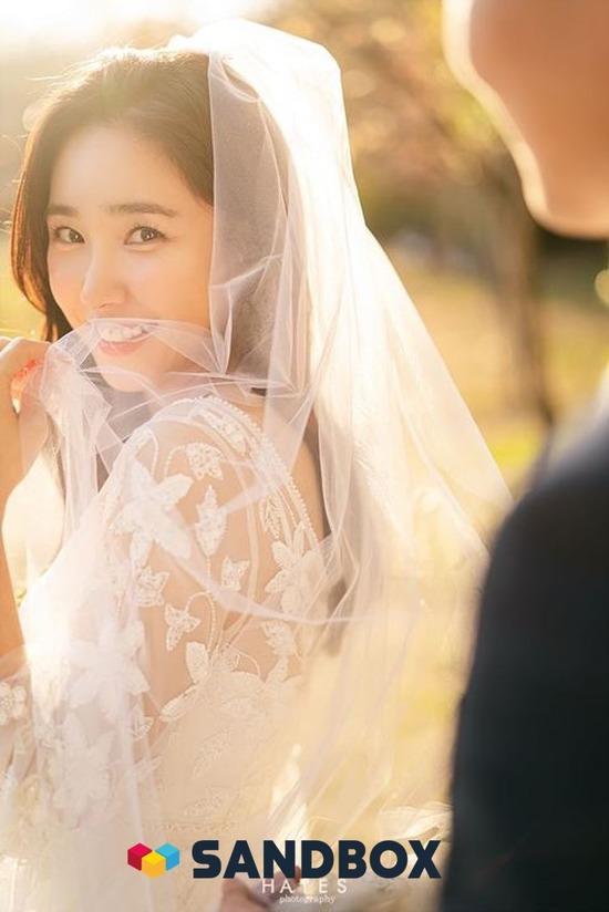 방송인 최희가 4월 말 결혼한다. 코로나19 확산 우려로 결혼식은 간소하게 치뤄질 예정이다. /샌드박스네트워크 제공