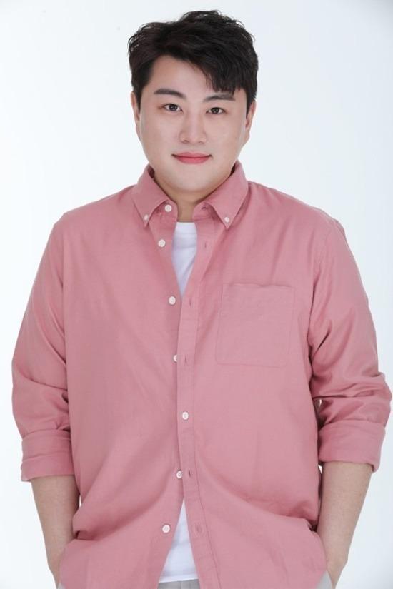 뉴에라프로젝트가 미스터트롯 톱7 중 김호중을 제외한 6인의 매니지먼트를 맡는다. 김호중은 원 소속사와 함께 단체 활동을 우선시하면서 개인 활동을 펼쳐나갈 계획이다. /생각을보여주는엔터 제공