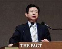 [TF포토] 부활절 연합예배 설교하는 김종준 목사